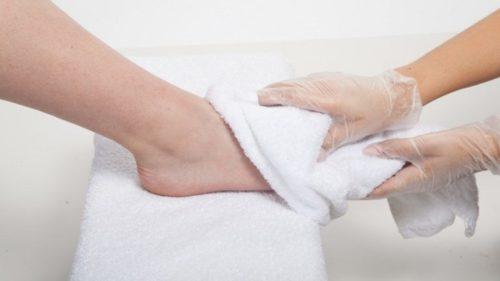 Hướng dẫn massage chân tại nhà